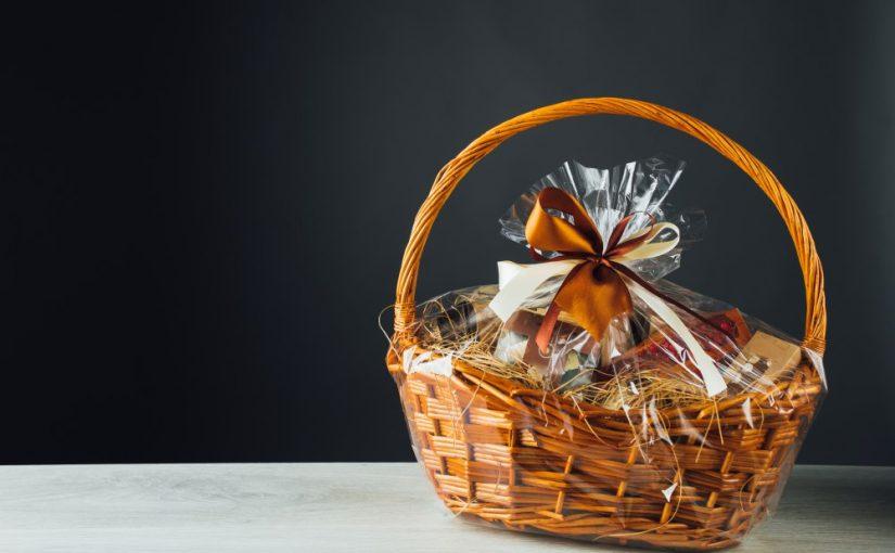 4 ideer til hvad du kan putte i gavekurven til dine ansatte